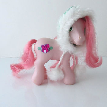 Sno Glo G3 My Little Pony MLP Toy Figure Hasbro Winter Christmas Pony