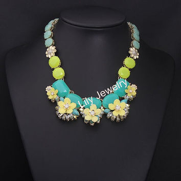 Fashion Gemstone Statement Necklace Jewelry Beaded Necklace Cluster Flower Necklace Bib Choker Necklace Bubble Necklace For Women Necklace