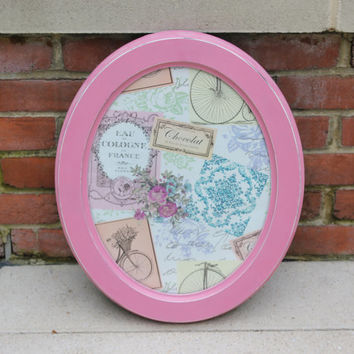 Shabby pink oval 11 x 14 picture frame or wall decor with Parisian print - Wall art, painted frame, pink frame