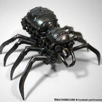 Recycled Metal Mini Poisonous Spider