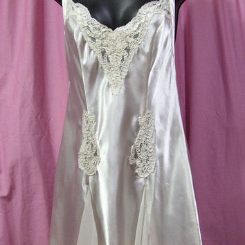 Satin Night Gown, Ivory, Short Chemise, Victoria Secret, Sexy, Lace Pearls, Size S Small, Bridal Honeymoon, Resort Cruise Wear