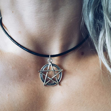 The PENTACLE choker