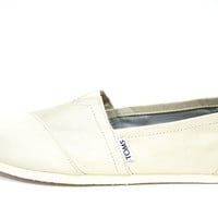 Toms Women's Classic Ivory Grosgrain White Casual Shoes