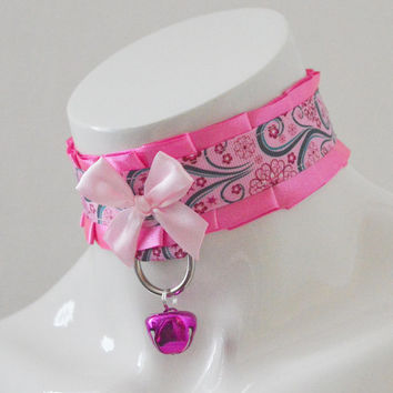 Kitten play collar - Screaming pink - ddlg little princess bdsm choker with leash ring - kawaii cute fairy kei pink kittenplay pet gear
