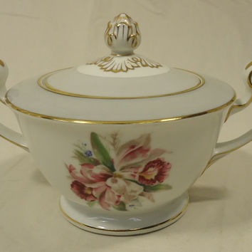 Noritake 5049 Vintage Sugar Bowl with Lid 7 1/2in x 5in x 5in China Gold Rim -- Used