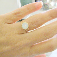 Gold opal ring, gold ring with white opal crystal,  vintage ring, bridal jewelry, opal ring, opal ring gold, vintage opal ring