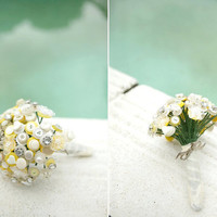 The Marilyn Monroe Button Bouquet  ivory yellow and by Beaubuttons