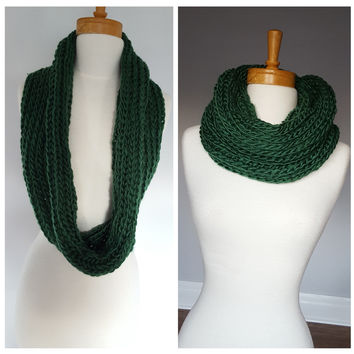 Green Knit Chunky Scarf, Women Knit Infinity Scarf, Knit Infinity Scarf, Infinity knitted Scarf