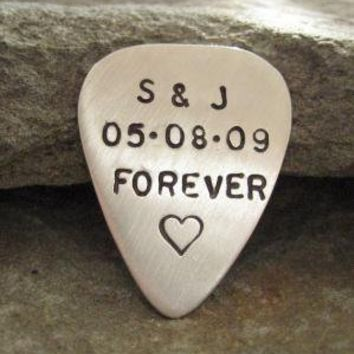A Perfect Valentine's Day Gift  GUITAR PICK / by jcjewelrydesign