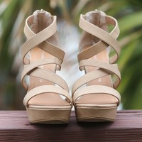 SZ 9.5 Chinese Laundry Monami Caged Wedges
