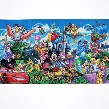 Disney Parks Walt Disney World Mickey & Friends Beach Towel New with Tags