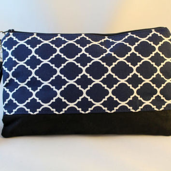 Navy blue and white quatrefoil print clutch, faux leather accent bag, date night clutch, hand purse, zippered pouch, bridesmaid clutch.