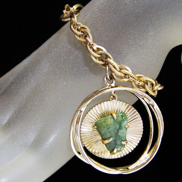Coro Jade Stone Charm Bracelet, Articulated Dangling Caged Stone, 7 Inch Gold Tone Rope Chain, Mid Century Jewelry 717