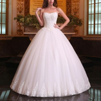Romantic Wedding Dresses Ball Gowns Modern Strapless Beading Lace Up Floor-Length Bridal Gowns