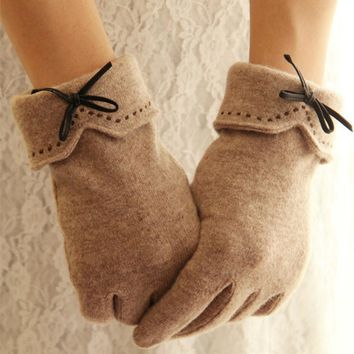 Wool Cashmere Warm touch screen Gloves Women Winter Fashion soft lining Decorations femme Full Finger Gloves new Designer