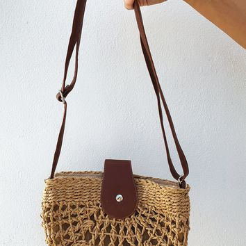 Swing On By Purse: Tan/Brown
