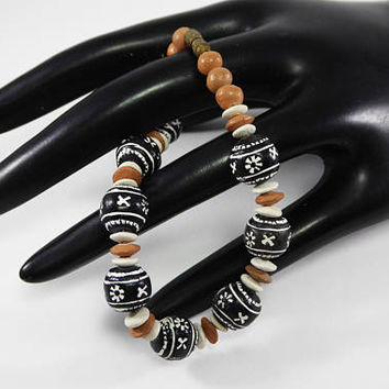Acoma Sky Pueblo Clay Beaded Bracelet, Native American Indian Beads, White, Red Clay Beaded Design, 7 1/2 inch Vintage 1970 Southwestern