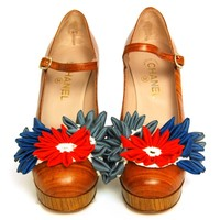 CHANEL Brown Wood Print Mary Jane Shoes w. Flowers Sz. 40 | 1stdibs.com