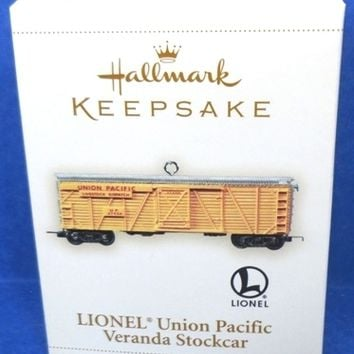 2006 Lionel Union Pacific Veranda Stockcar Hallmark Ornament