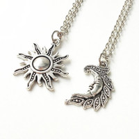 Sun and moon necklace,friendship necklaces,His Hers,Couples Necklace,best friend necklaces,Boyfriend Girlfriend Gift,Valentine gift