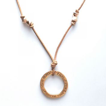 Golden First Glance Necklace