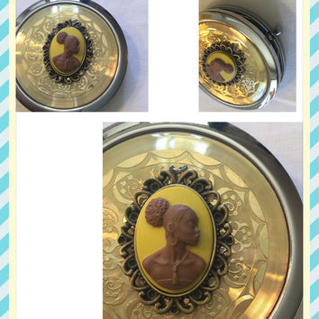 Yellow vintage lady cameo mirror compact: free shipping