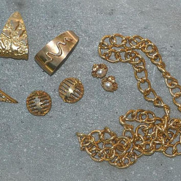 Vintage Gold Tone Faux Earrings Lot White Pearl Single Earring Snake Jewelry Geometric Thick Chain Necklace 70s 80s