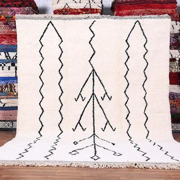 Large Authentic white Moroccan rug, 7.7ft x 10.4ft, Handmade by 100% genuine lamb wool moroccan wool authentic beni ourain area rug moroccan