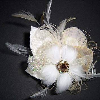FLORENTINA - Peacock inspired hair clip fascinator with vintage rhinestone accent - Made To Order