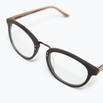 Wood effect glasses