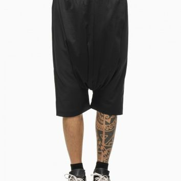 Low pants from the S/S2015 Mavranyma collection in black