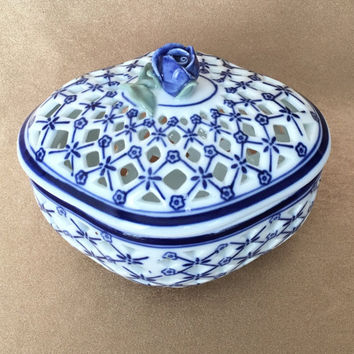 Pierced Trinket Box, Chinoiserie, Blue and White, Rose Top Trinket Box, Reticulated Dish, Vanity Dish, Gift Trinket Box, Vanity Container