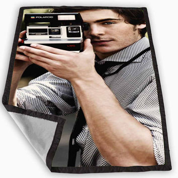 Zac Efron Camera Blanket for Kids Blanket, Fleece Blanket Cute and Awesome Blanket for your bedding, Blanket fleece **