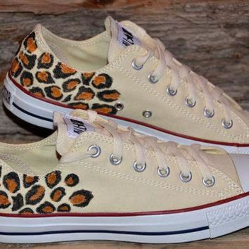 VONR3I Leopard print on Converse All Stars - Adult size
