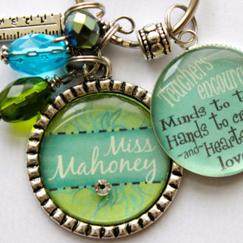 Teacher Gift Personalized keychain Teachers encourage Minds to think, Hands to create and Hearts to Love children nana, mom, gift, present