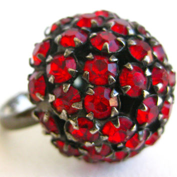 Vintage 50s Ruby Red Rhinestone Mad Men Glamour Girl Cocktail Ring