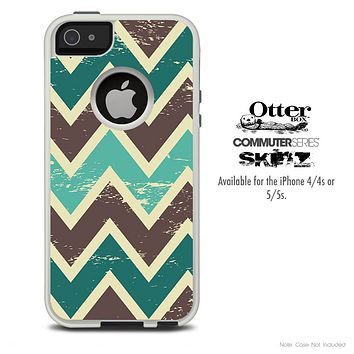 The Offset Green Vintage Chevron Skin For The iPhone 4-4s or 5-5s Otterbox Commuter Case