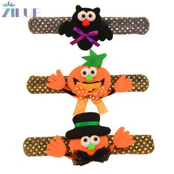 Zilue 5pcs/Lot Happy Halloween Cute Shining Pumpkin Hand Ring Use As Props For Halloween Dancing Supplies Party Decoration