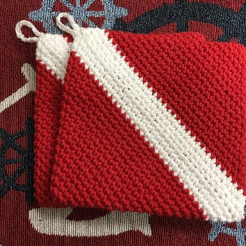Scuba dive flag pot holders, cotton hot pads, set of 2 hot pads, beach house, crabbing pot holders, yacht pot holders, dive flag, diver down