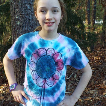 Toddler Girls Flower Shirt, Custom Tie Dye Flower T-shirt for Little Girls, Toddler Tie Dye Shirt, Hippie Girls Flower Birthday, kids tiedye