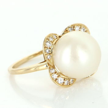 Vintage 12mm South Sea Pearl Diamond Cocktail Ring 18 Karat Gold Estate Jewelry 7.5