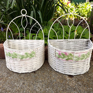 Set of 2 Spring Baskets, White Wicker Wall Baskets, Wedding Home Decor, Ceramic Pink and Green Tulip Flowers