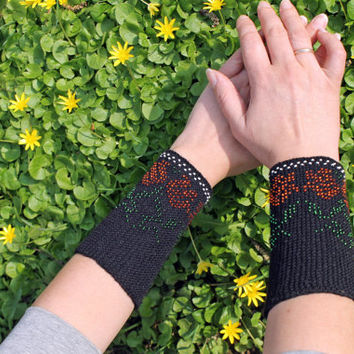 Arm Wrist Warmers, Black Arm Warmers, Glossy Beaded, Flowers Pattern, Fingerless Gloves Cuff, Luxurious Cashmere Wool, From Autumn To Spring