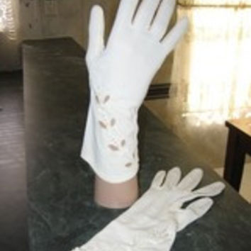 Vintage Cut-Out Dress Gloves White Size S