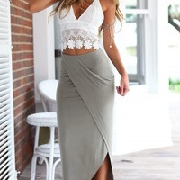 Women's Backless Lace Crop Top and Split Skirt 2pc Outfit
