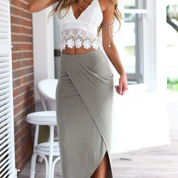 Two-Piece Women's Sexy Backless Lace Crop Top & Split Skirt Set