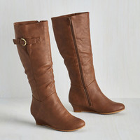 Exceed All Expectations Boot in Cinnamon
