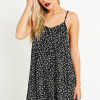Pins & Needles Textured Jersey Slip Dress in Ditsy Print - Urban Outfitters