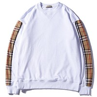 Burberry  Women or Men Fashion Casual  Top Sweater