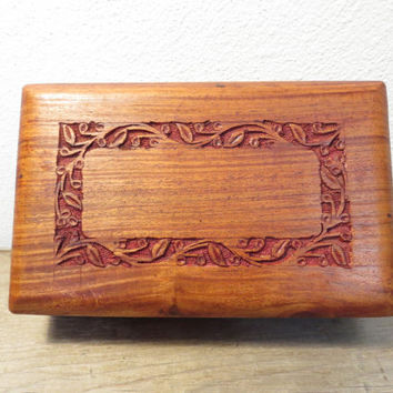 Vintage Wood Box / Trinket Box / Wood Jewelry Box / Boho Box / Bohemian Decor / Treasure Box /India Wood Box